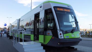 Tramwaj Solaris Tramino dla Olsztyna podczas prezentacji na targach Trako 2015